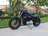 This is the Sportster 883. Raw, basic and agile. No