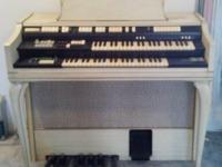 Wurlitzer Model 4300-D Professional Solid State Spinet