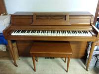 Up for sale is a package for a Wurlitzer upright piano