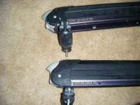 Yakima Snowboard / Ski Rack used but in good shape...