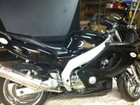 02 Yamaha 600 R all black, brand new paint, chrome