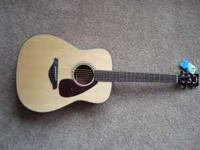 Yamaha FG700s Acoustic Guitar. Still has tags on it.