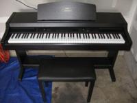 Yamaha Clavinova CLP-820 electronic piano In excellent