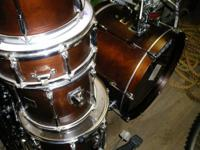 Yamaha Custom Kit 5 Heads, 3 Stands, Seat, hi hats and
