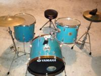 Type: DrumsLight blue Yamaha drum set. Requirements a