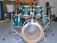 Very nice 5 piece Yamaha YD drum set for sale. Green in