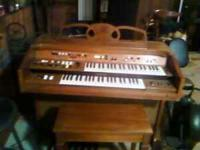 Yamaha Electrone Organ Model 251D-ER