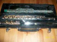 This YAMAHA FLUTE IS IN EXCELLENT CONDITION! I bought