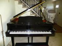 Mint condition (like new) Yamaha Baby Grand Piano,