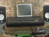 TEXT  Up for sale is a pair of Yamaha HS 80m Studio
