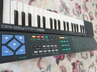 up for sale this yamaha 37 key mini keyboard with