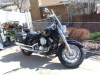 2008 black yamaha motorcycle, full dress, low mileage