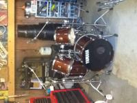 5 piece kit complete with boom stand, throne and pedal