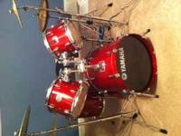 Yamaha Stage Custom Drum Set in perfect condition. The