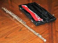 Yamaha Student Flute with case in good condition.