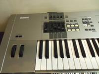 Yamaha Synthesizer Full 88 Scale with case and power