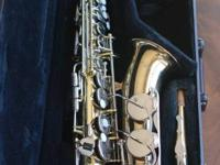Yamaha YAS-23 Saxophone in initial case. General great