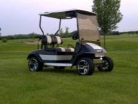 Great running 2007 Yamaha Gas powered golf cart. Great