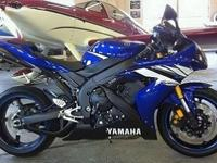 2006 Yamaha R1 with only 8,900 miles. Bike is in very
