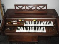 Nice sounding Yamaha Electone Organ in good condition.