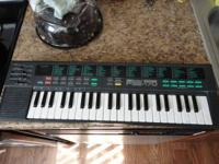 up for sale this little yamaha mini keyboard sound