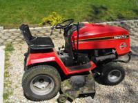 Estate Series Riding Lawn Mower 50'' cut, 3 blades, 20