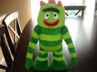 Yo Gabba Gabba dancing and singing...Clean and new,