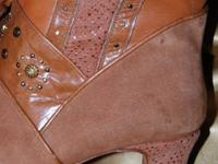 Excellent quality Size 6 1/2 suede and leather women's