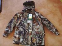 CABELAS YOUTH HUNTING PARKA AND PANTS.  PARKA IS A 4 IN