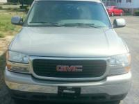 Yukon GMC 2000. Clean and leather excellent! 8 seat