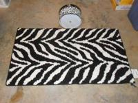 Ceiling Mount Light Fixture, Plus a 27x46 Throw Rug,