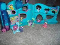 Brand New in the Factory sealed boxes Zhu Zhu Pets -