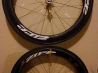 These are Zipp 404 firecrest wheels with mounted Zipp